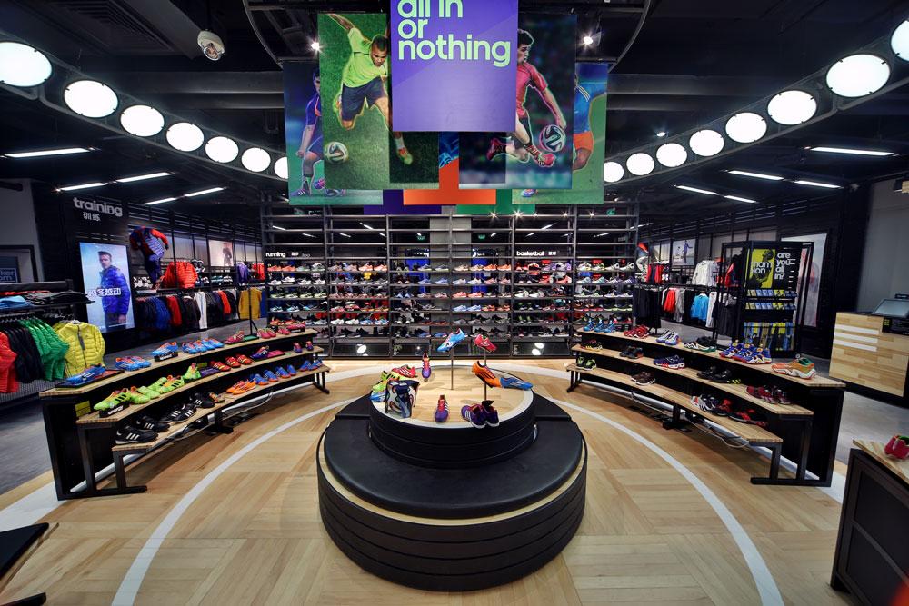 I bilder: Så här ser Adidas nya butikskoncept ut