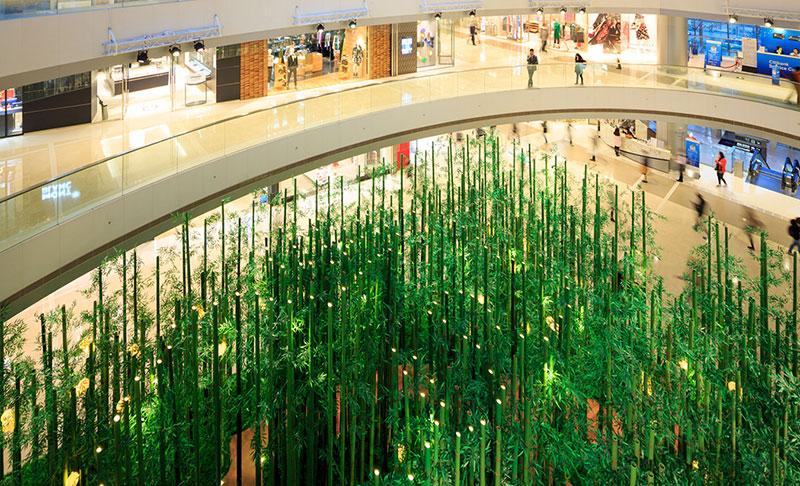 Här flyttade skogen in i gallerian