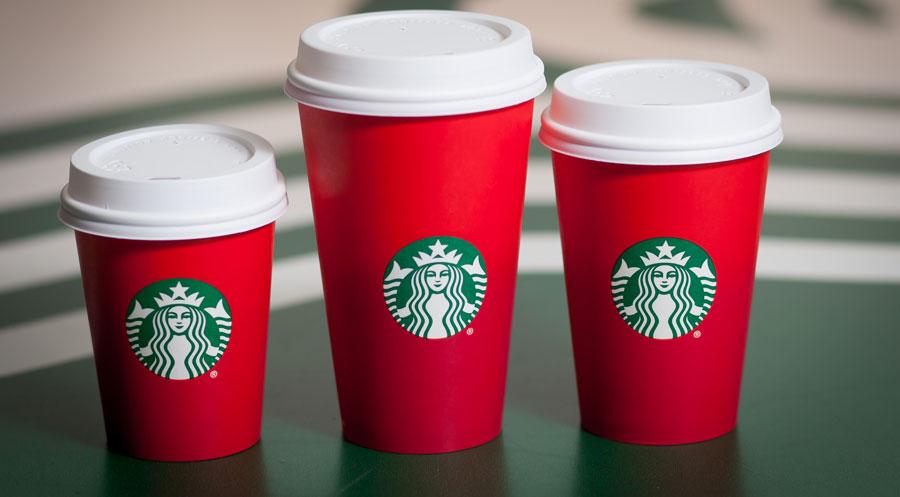 Starbucks röda muggar en social snackis