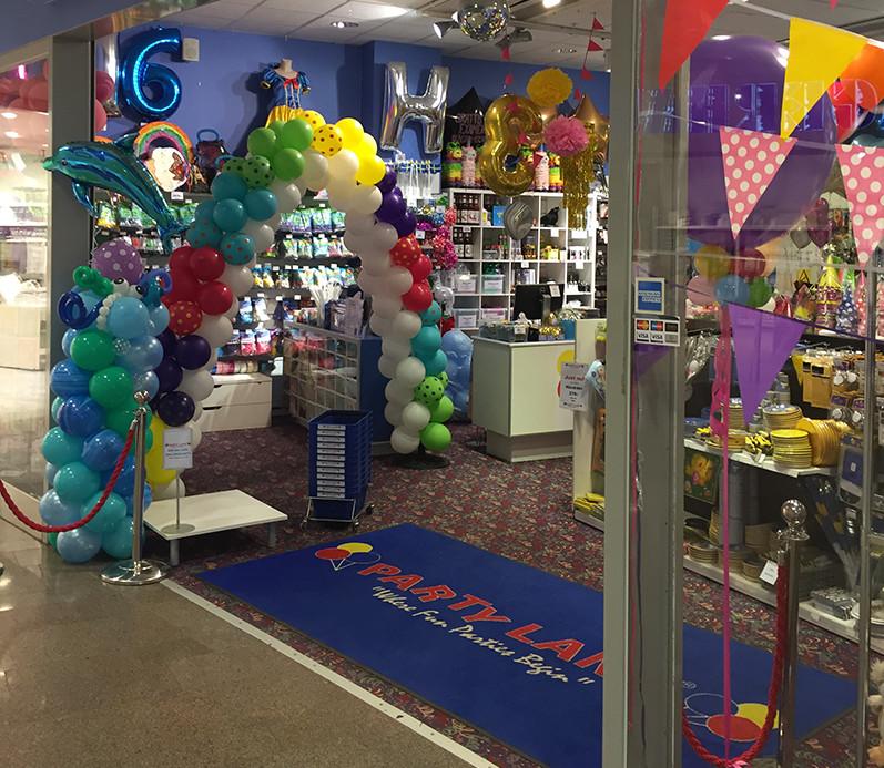 192860b8423b Party Land öppnar fler butiker