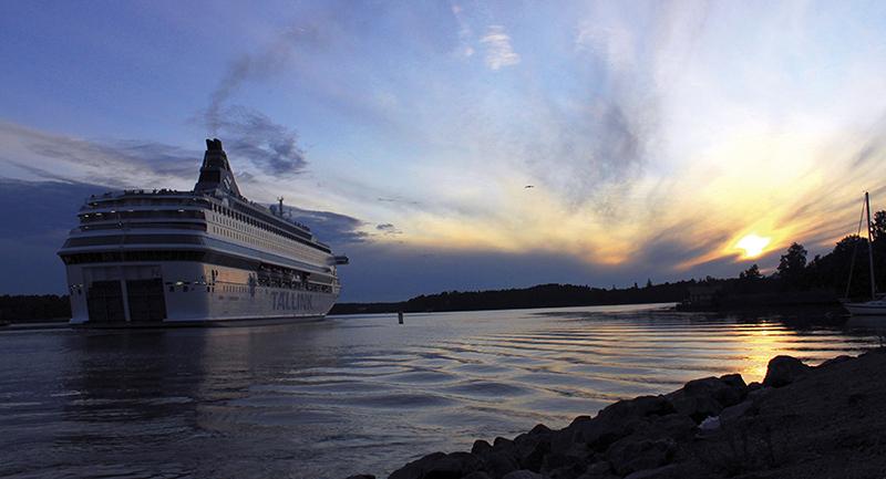 Tallink inför självbetjäning i butik ombord