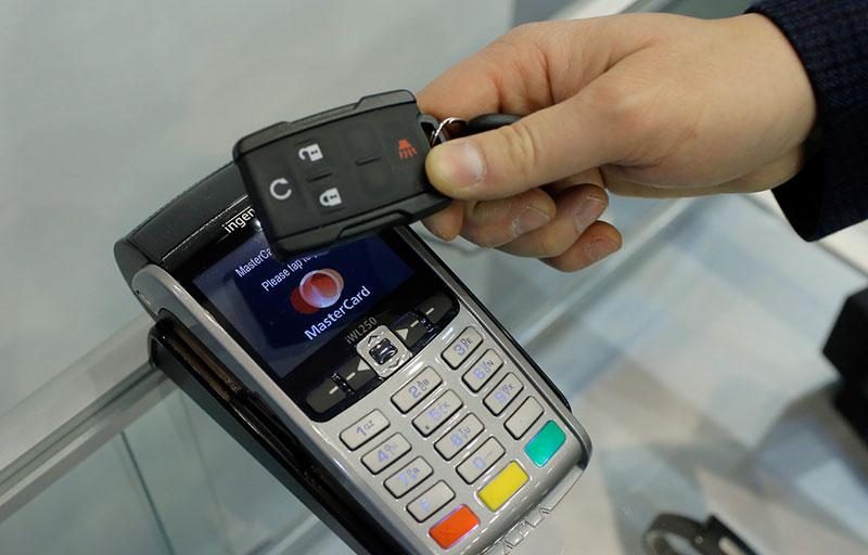 Sverige i topp för kontantlösa betalningar