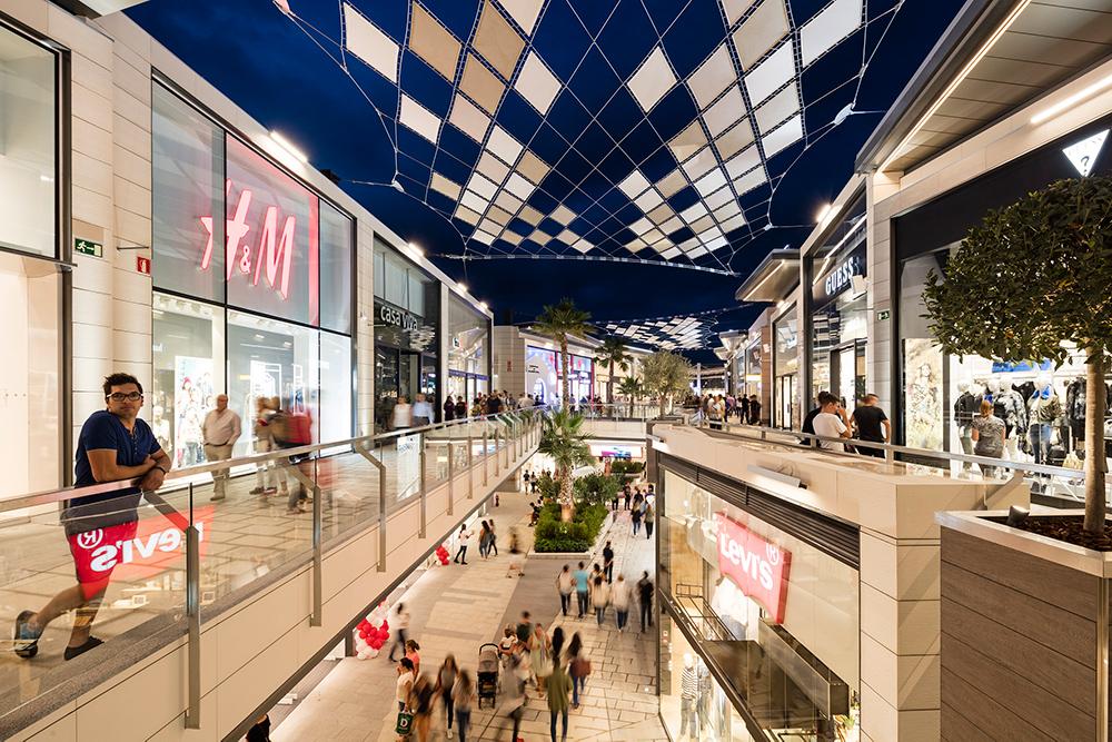 Resortkänsla i Carrefours nya köpcentrum