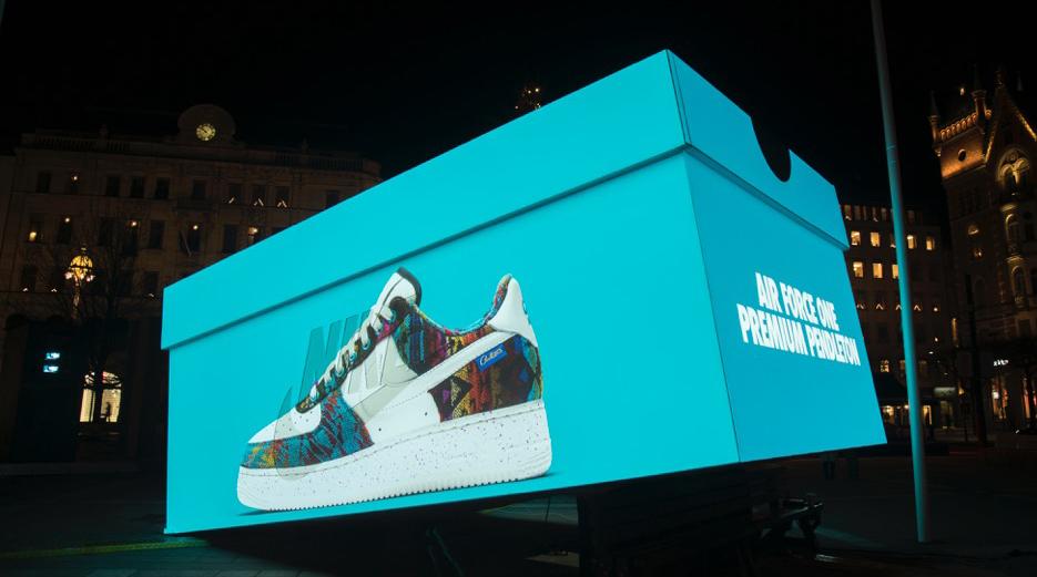 Nike poppade upp med skokartong