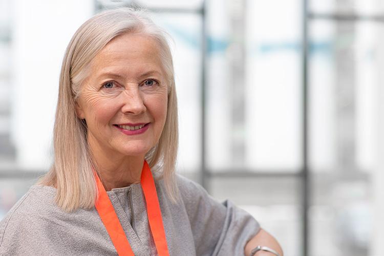 Clare utses till hedersdoktor i mode