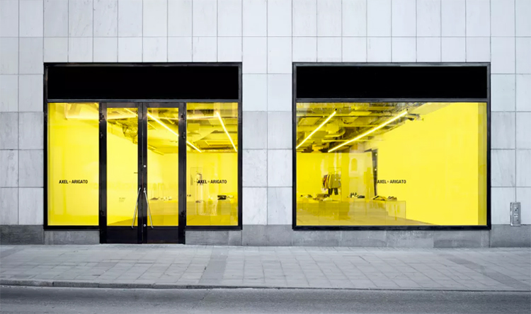 Axel Arigato öppnar minimalistisk pop up