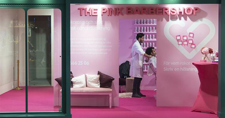 Apotek öppnar rosa barberarsalong