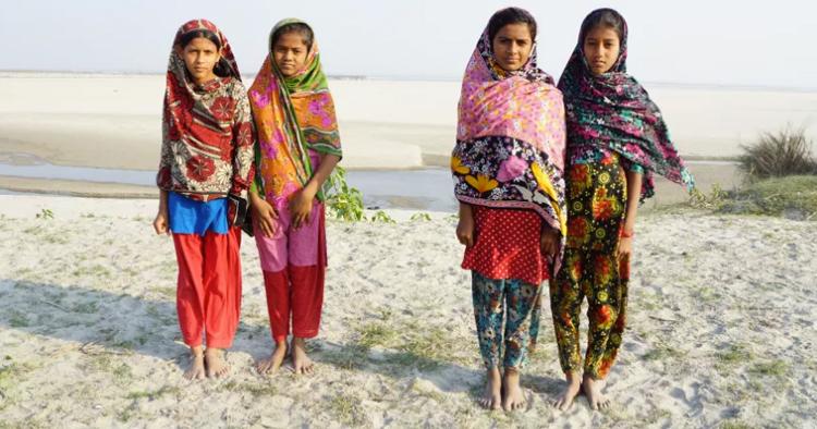 Second Hand-shopping för Världens Barn