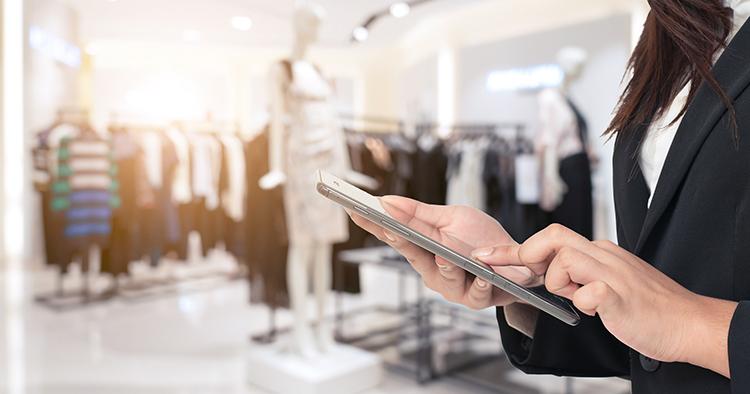 Butikspersonalen lägger e-ordrar via app