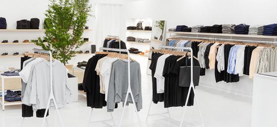 Hållbar pure player öppnar fysiska butiker