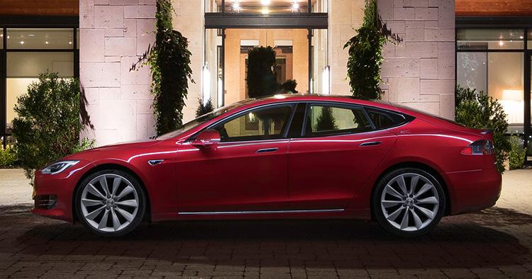 Hyr en Tesla i köpcentrumet