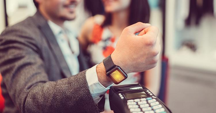 Allt fler vill betala med wearables