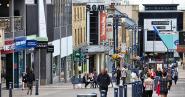 Varuhuskedja stänger 30 butiker