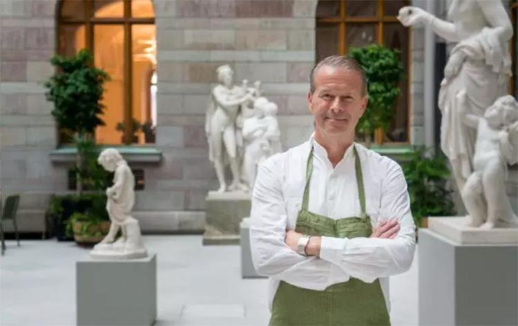 Fredrik har öppnat i nationalmuseum