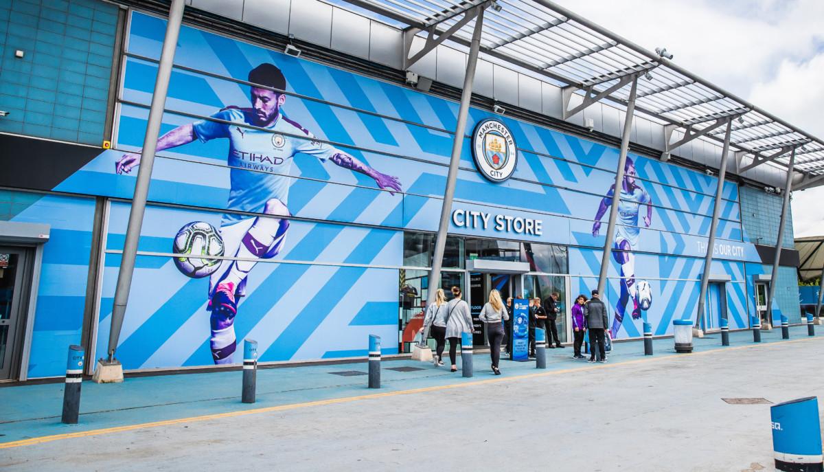 """<h2 class=""""fsize-40""""><a href=""""https://www.handelstrender.se/nya-upplevelser-i-manchester-citys-butik/""""><span class=""""arlima-pre-title"""">koncept</span> Nya upplevelser i Manchester Citys butik</a></h2>"""