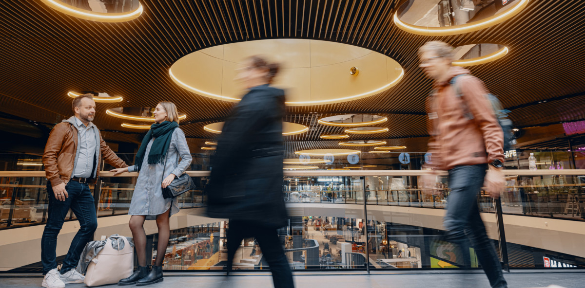 "<h2 class=""fsize-40""><a href=""https://www.handelstrender.se/i-dag-oppnar-nordens-storsta-kopcentrum/""><span class=""arlima-pre-title"">premiär</span> Nu öppnar Nordens största köpcentrum</a></h2>"