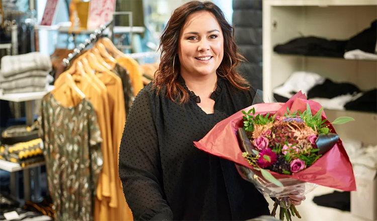 Hon är Sveriges bästa butiksbiträde