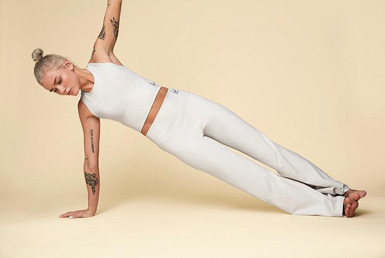 Asics i yogasamarbete med Pyrates