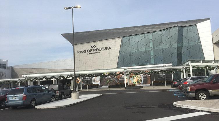 Största ägaren stänger samtliga köpcentrum