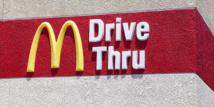 McDonald's säljer dagligvaror via Drive Thru