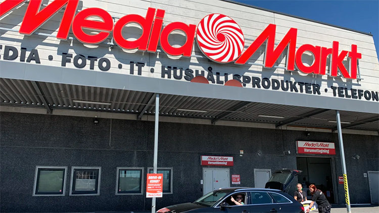 Succé för curbside pickup hos Media Markt