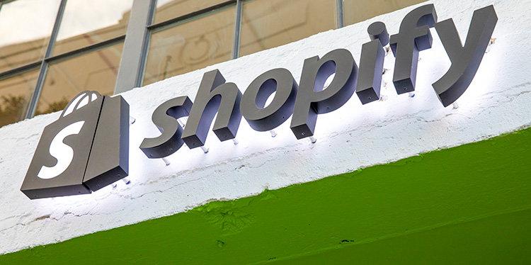 Walmart inleder samarbete med Shopify