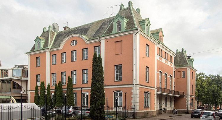 Därför köper Jula Skara Stadshotell