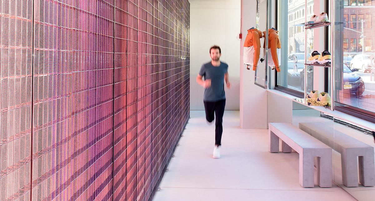 Löpning vid magisk vägg i nytt flaggskepp