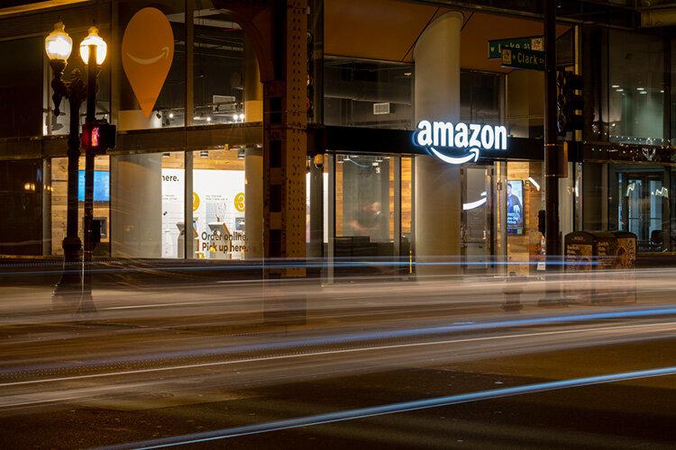 Amazon sägs planera fysiska varuhus